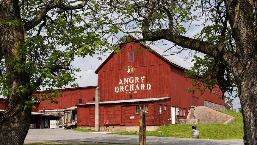 A Black Man was repeatedly accused of stealing by Angry Orchard Brewery security guards while trying to propose to his girlfriend http://bit.ly/2LzNQOw
