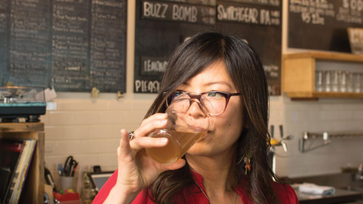 Beyond the classroom here at CNM, meet @asabstone / @beerpairedlife, New Mexico's leading beer expert.  Cheers! 🍻  Read more via @NMMagazine: https://t.co/xU9D7OCmma  #CNM #NMBreweries #NewMexico #WayToGo https://t.co/Y49GJPy95b