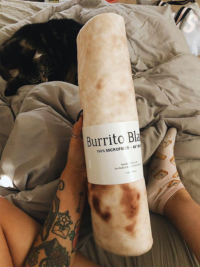 Ok I NEED a burrito blanket from http://foodyblankets.com/burrito  in my life 🌯🥺❤️