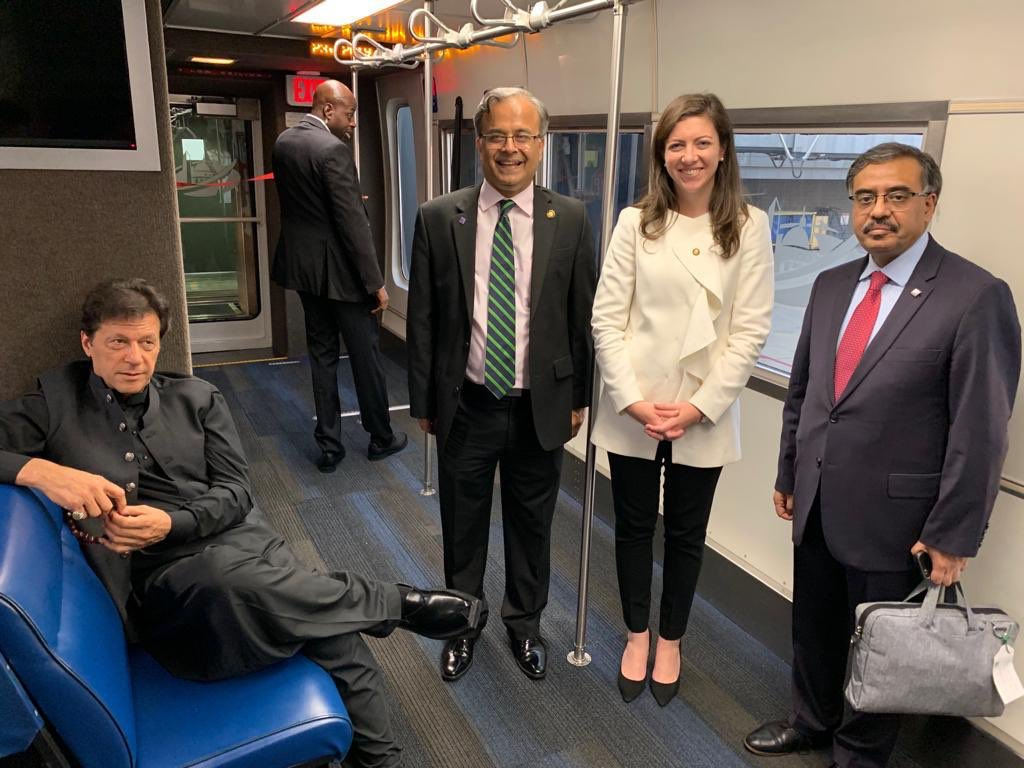 Prime Minister Imran Khan leaves Washington DC  after successfully concluding his visit to USA. #PMIKVisitingUS <br>http://pic.twitter.com/AxTtCYJ2Sh