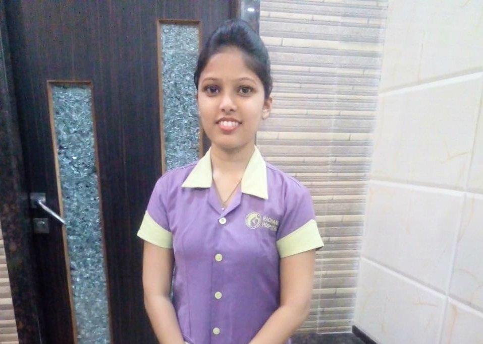 Hoy en día, Sonali trabaja como enfermera en un hospital de Bombay y con su sueldo ayuda a la economía familiar. Pero su vida estaba siendo muy diferente. Hasta que algo cambió.   Conoce su historia  #GIRLstories  #TransformandoFuturos