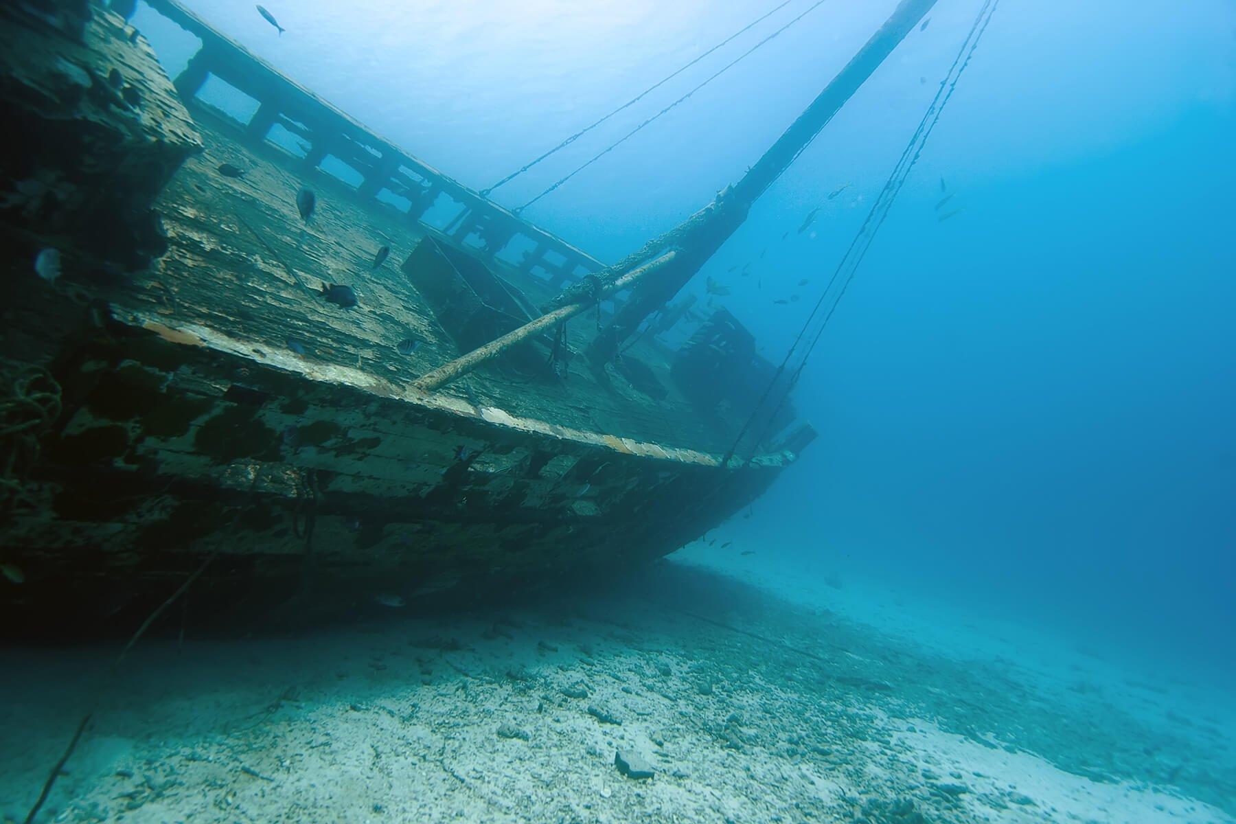 древние затонувшие корабли фото как