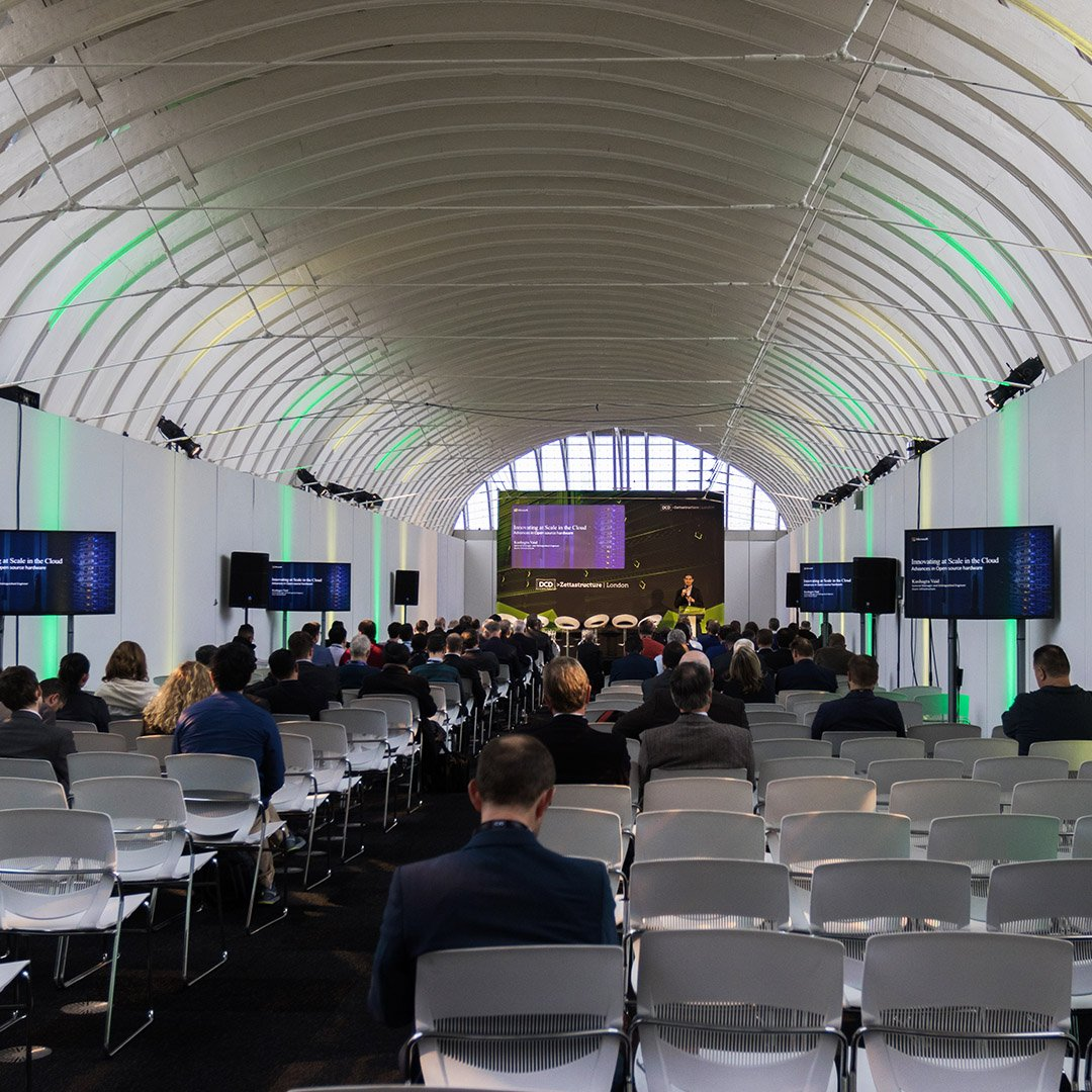 We always enjoy using The Gallery @OldBillingsgate for break out sessions #EOL #eventprofs #London #eventproduction #conference #breakoutsessions #AV https://t.co/6SVsQUygXc