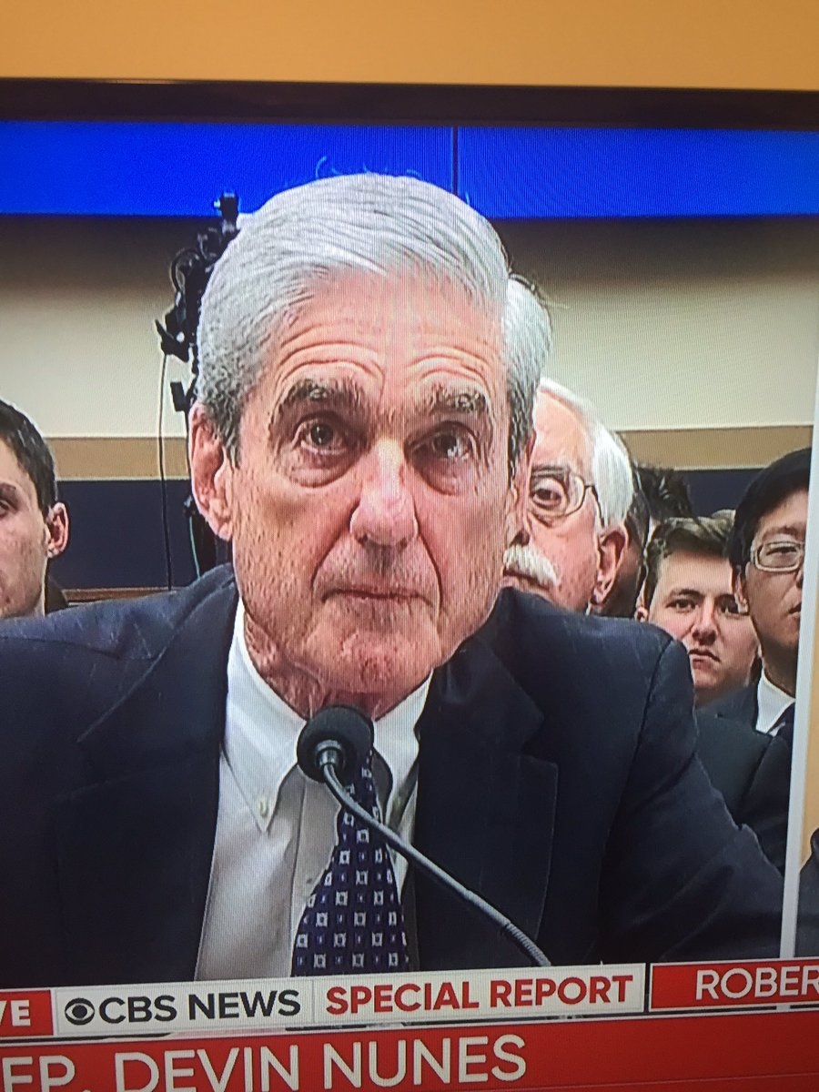 Does #RobertMueller have a hair stylist? Looks great