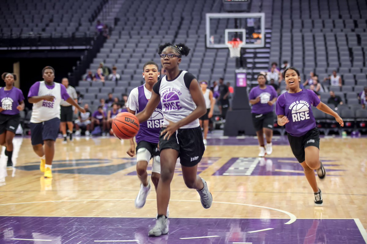 Kings & Queens Rise Youth Basketball players felt like @nba & @wnba stars at @Golden1Center as we wrapped up year 2 of the league. 🏀 🏆   @kpgreatersac @BuildBlack10 https://t.co/AMGx6lbMva