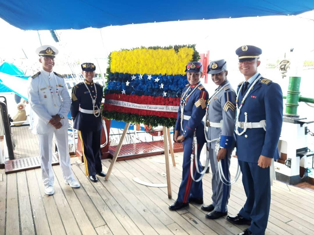 Los cadetes a bordo del Buque Escuela AB Simón Bolívar en la Ciudad de Cozumel (México), realizaron actividad cultural en conmemoración a los 196°años de la Batalla Naval del Lago de Maracaibo, día  de la Armada Bolivariana y 236° años del Natalicio del Libertador Simón  Bolívar https://t.co/zNWViL2pkJ