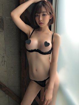 AV女優深田えいみのTwitter自撮りエロ画像50