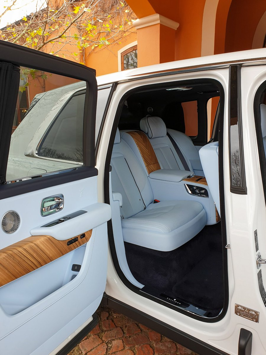 Cars Co Za On Twitter How S This Baby Blue Interior On The Rolls Royce Cullinan We Re Out In Franschhoek Driving It Today