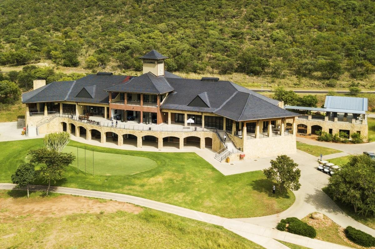 Euphoria Golf and Lifestyle Estate 2 nights accommodation based on a 3 bedroom self-catering unit 1 round at Euphoria GC and Zebula GC incl shared cart  R2500 per person sharing - (6 golfers sharing) Book and pay in 19 for 2020 and pay 2019 rates Valid until 31 Dec 19pic.twitter.com/S3PQrMD45O