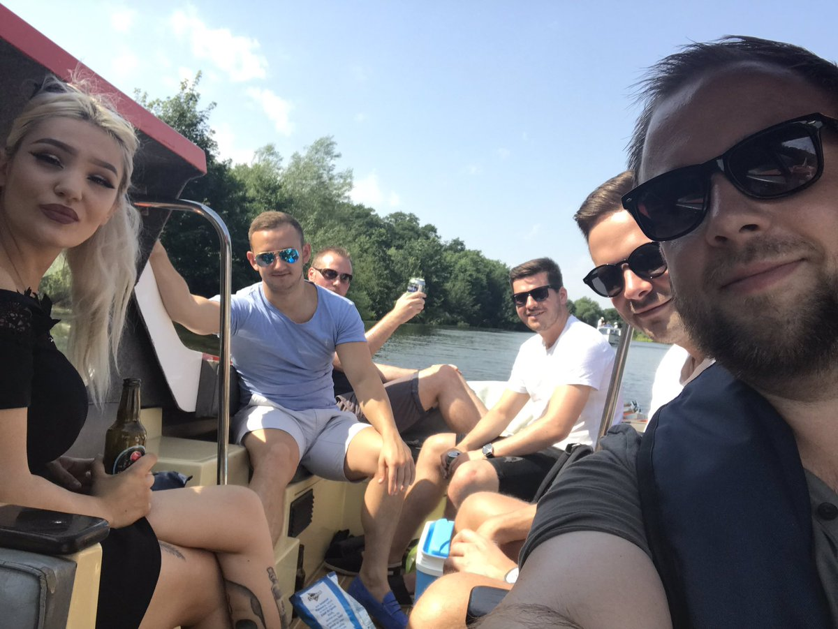 U4L winners day out. Roasting day on the broads!! Everyone else get selling!! 💪🧀💵💸💰@SteveDavo84 @AEKLHR