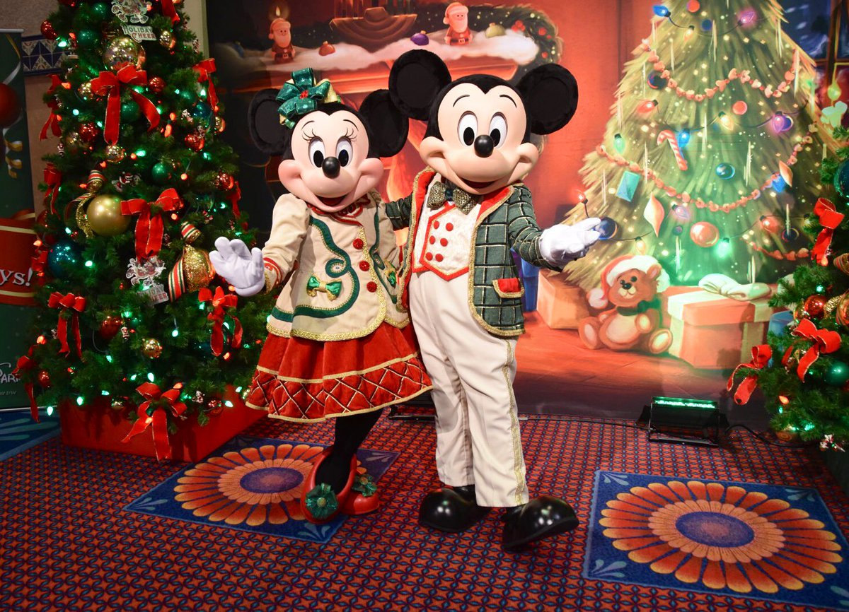 Christmas In July Disney World.Denise At Mousesteps On Twitter Mickey And Minnie Today At