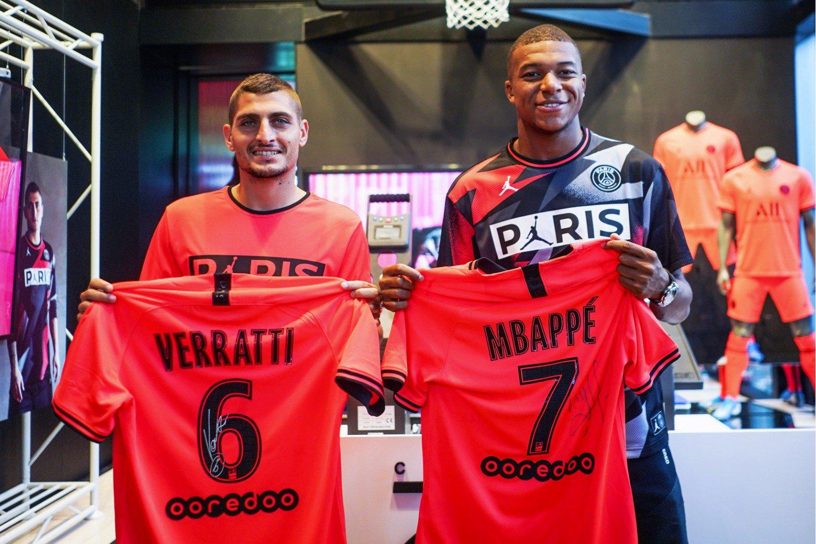 vértice Cementerio Fatídico  Jordan Brand apuesta por el infrarrojo para la camiseta suplente del PSG  19/20 presentada sin Neymar – La Jugada Financiera
