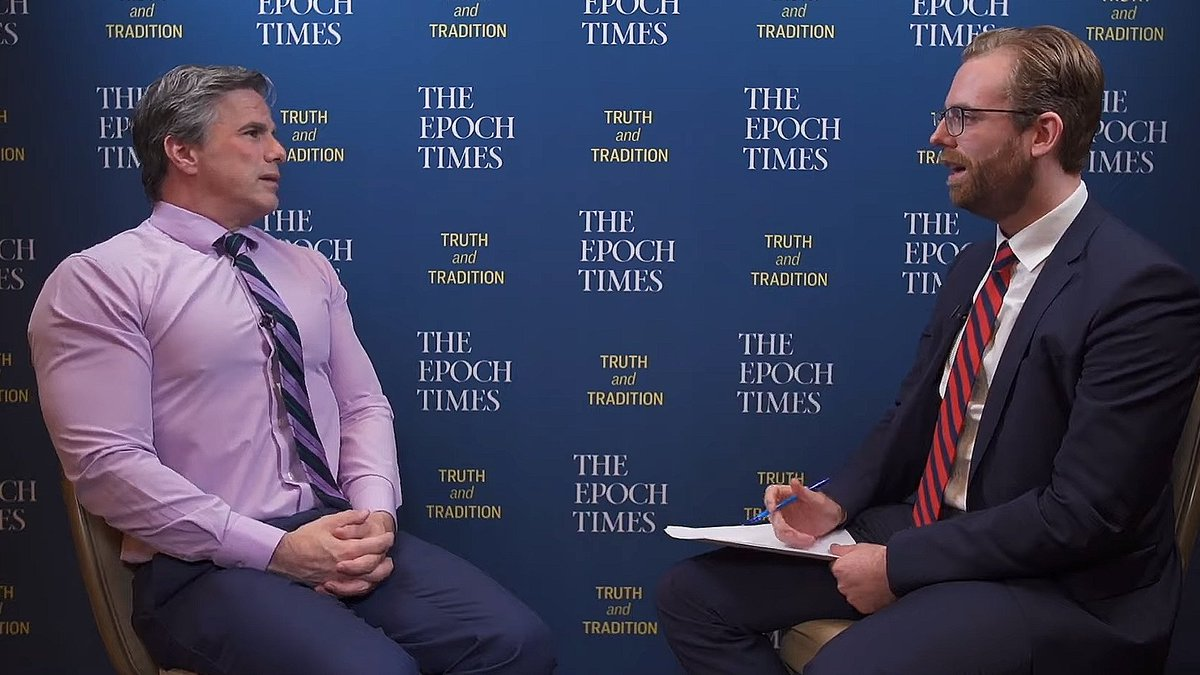 Of course Obama knew about #Spygate. When will he be questioned.  Two great @EpochTimes interviews:  https://t.co/V3ExOu13KE  https://t.co/0Y4pxJAjPv https://t.co/reRfPFCTDb