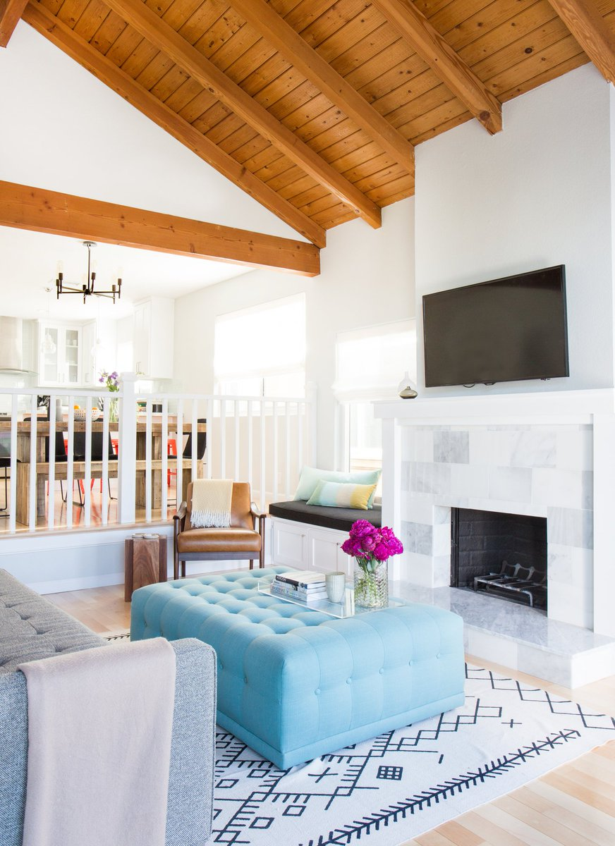 In the Redondo Beach area, Homepolish designer Jennifer Wallenstein created a sun-washed escape for a family of three.   Check out her contemporary spin on the classic California beach theme: https://t.co/lSPRkyHyMC https://t.co/ezC7pZBE1I