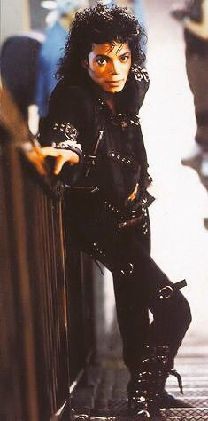 He is no longer here…?🌎 You are in my daily life so I dont feel it. #10YearsWithoutMichaelJackson #MichaelJackson