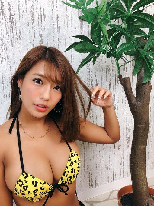 グラビアアイドル橋本梨菜のTwitter自撮りエロ画像18