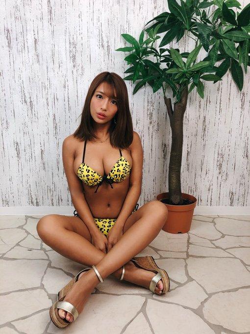グラビアアイドル橋本梨菜のTwitter自撮りエロ画像17