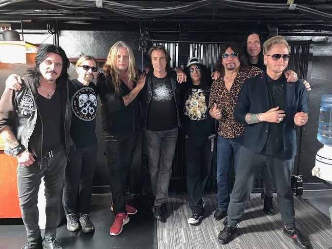 Slash france pabst smkc living the dream backstage kings of chaos gilby clarke matt sorum 2019 milwaukee