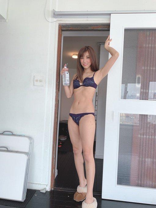 グラビアアイドル夏本あさみのTwitter自撮りエロ画像26