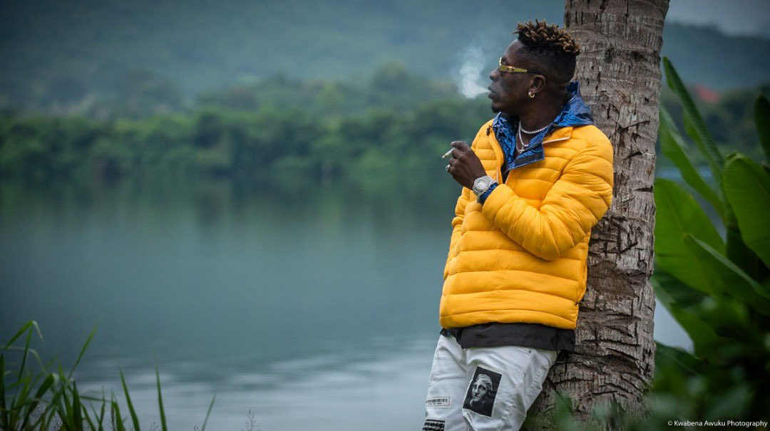 If people will be very observant,you will know shatta wale never came to do music to impress people to make dem feel am making moves .NO!!..I just do my shit the way is suppose to be done ...That's Being my bloody self .. it started from my up bringing. #Libra