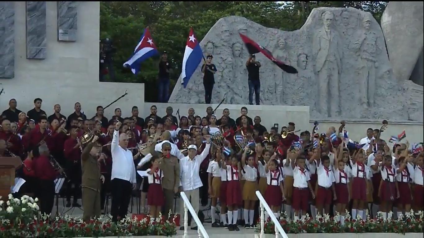 Raúl y Díaz-Canel encabezan el acto por el Día de la Rebeldía Nacional en Granma