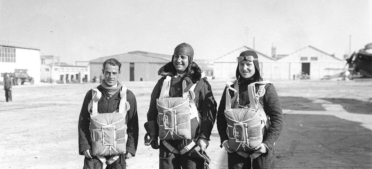 #SabíasQue el Archivo Histórico del Ejército del Aire 🏰 conserva más de un millón de expedientes personales de militares y civiles que han pertenecido a dicho Ejército? 👩🏻✈️👨🏻✈️🛫 👉bit.ly/2AzMTQV #ArchivosDeDefensa #ArchivoHistóricoEjércitoAire @EjercitoAire