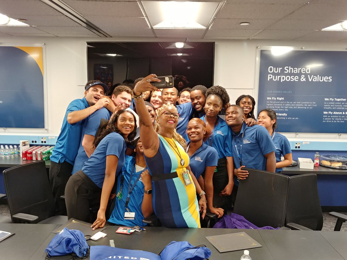 United Summer Associates were given a great send off on their last day of their internship by ORDs leaders. Thank you USAs for all the hard work and efforts you put in this summer to make United shine! @weareunited #beingunited #unitedsummerassociates