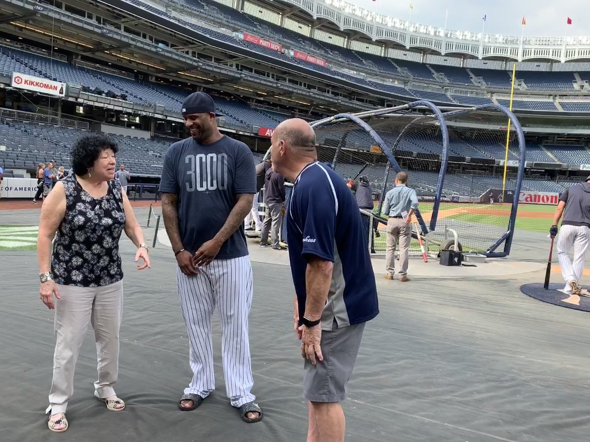 Justice Sotomayor met Aaron Judge and the Yankees