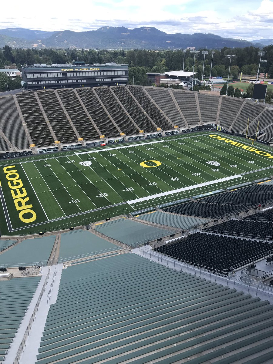 """Quick look at the new field at Autzen, Calvin Throckmorton raves about it, said it feels really good and didn't feel """"sticky"""""""