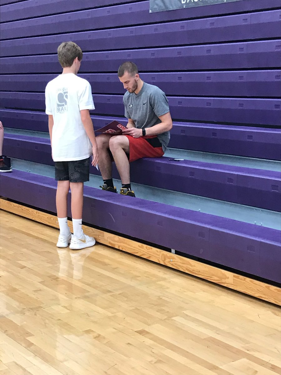 Great basketball camp in Norwalk, IA today hosted by former Cyclone great and current Toronto Raptor Matt Thomas @Theiceman_21 !! Dane receives award for winning dribble knockout. 👍🏀