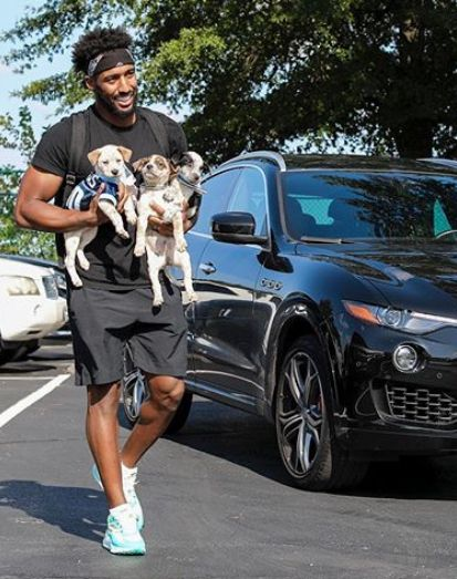 RT @barstoolsports: Logan Ryan showed up to training camp with 3 pups?  Titans going 16-0 confirmed. https://t.co/ZRVfBlPrqk