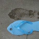 魚の形をしたサンダル・遊び心が可愛すぎる。夏にぴったり!!