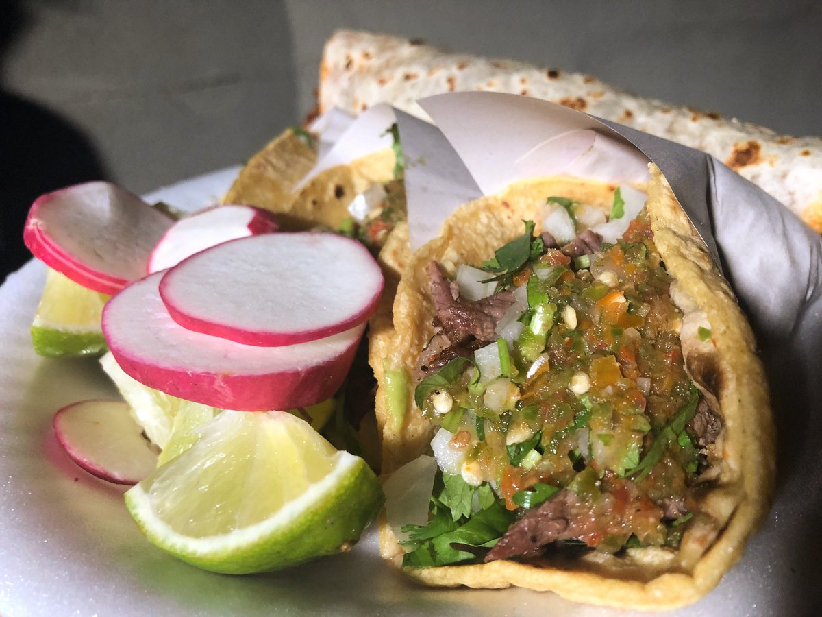 Carne asada was #bienlit  @ Tire Shop Taqueria #UnitedTacosofAmerica   . . #LATACOS #birria #tacos #tacolife #taco #unitedtacosofamerica #tacodoc #documentary #docuseries #tacotv #tacoshowpic.twitter.com/ccHK9BsVtf – at Tire Shop Tacqueria