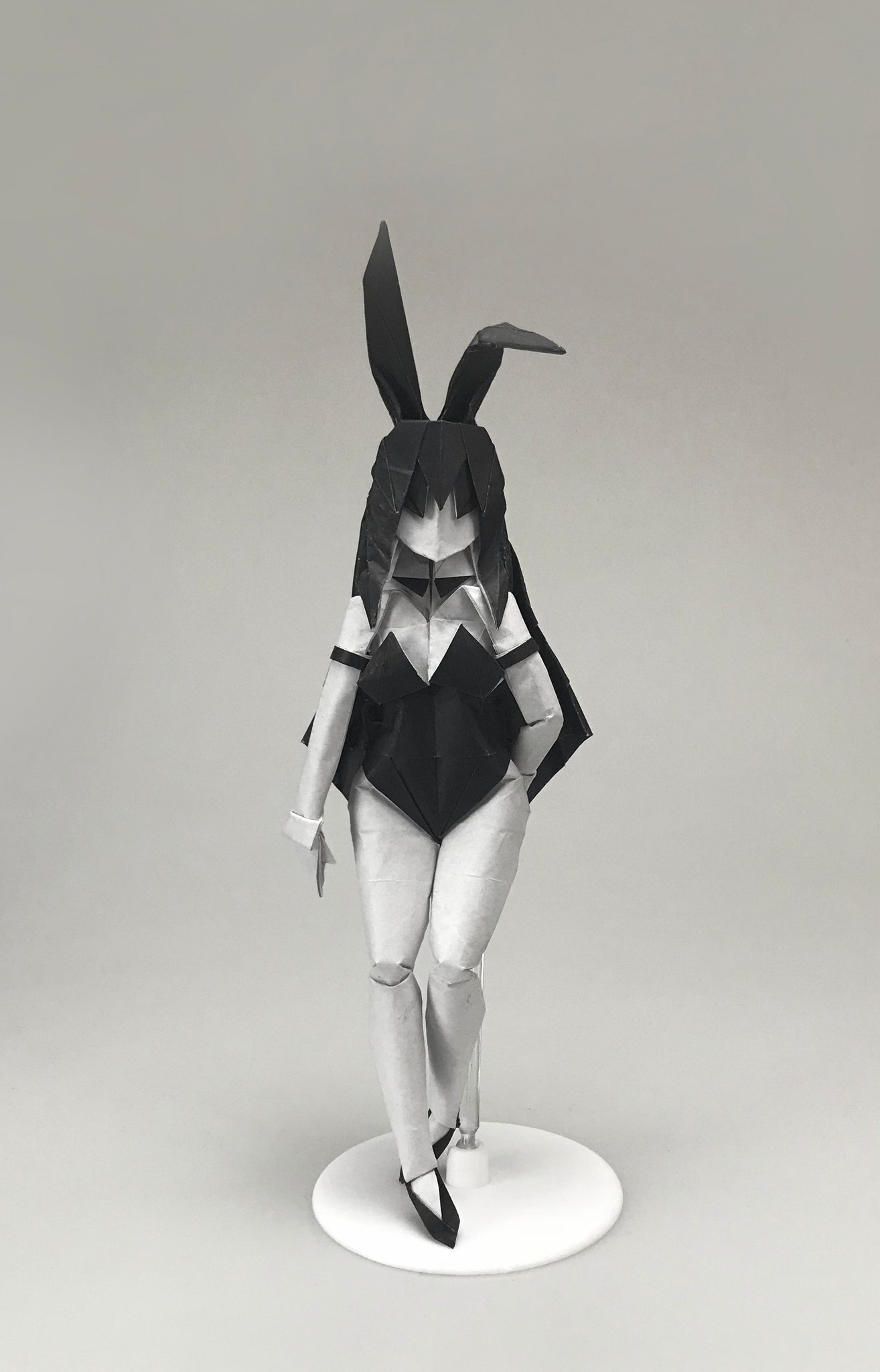 """Ob_陳曉 on Twitter: """"Bunny Girl. 10cm*10cm craft paper. Could be"""