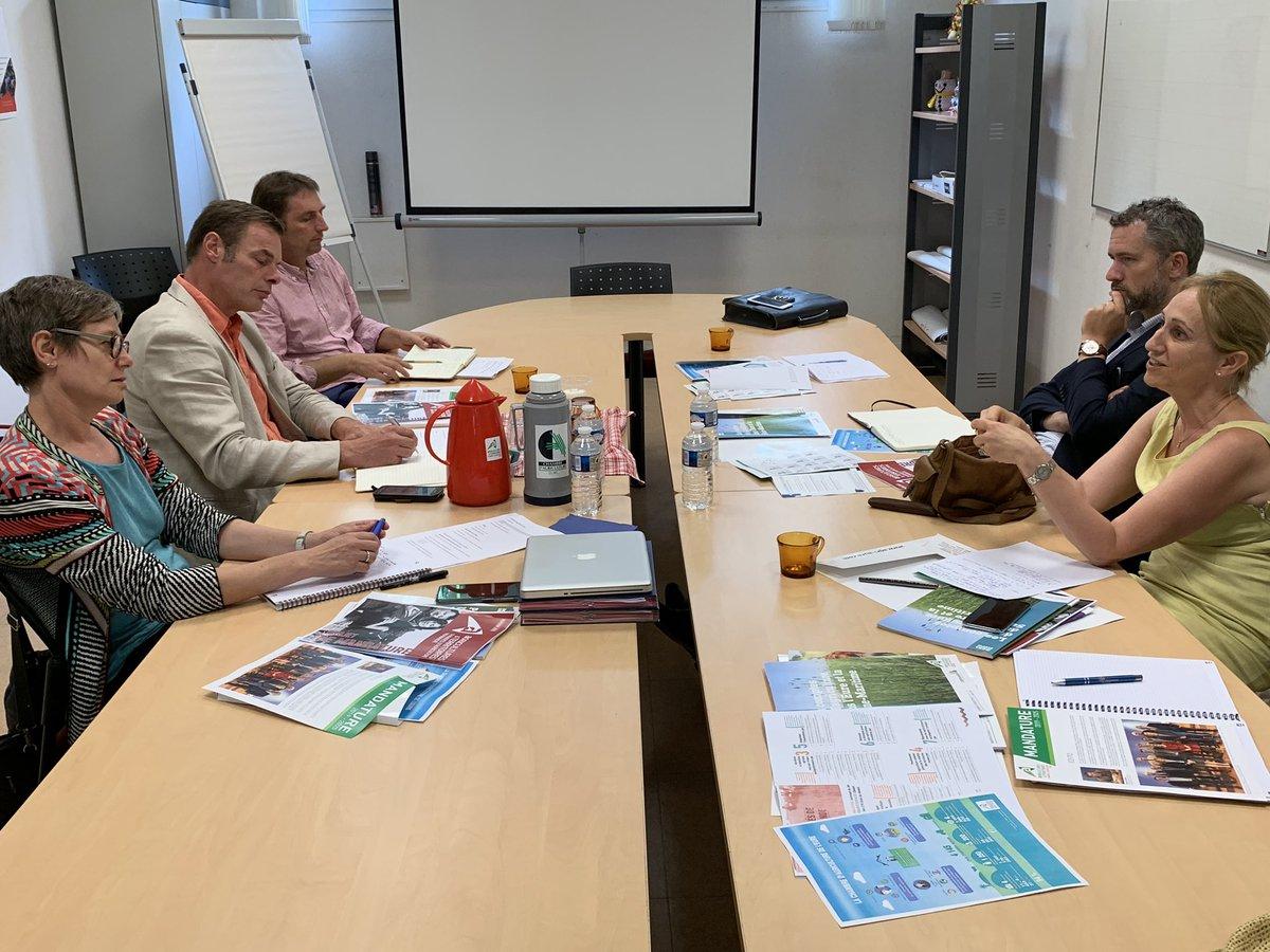 La chambre de Normandie est entrée depuis 2 ans dans une démarche de mutualisation de ses moyens pour un meilleur service aux #agriculteurs dans un contexte de #transition #écologique. Nous voulons soutenir ses efforts.@dguillaume26 @Min_Ecologie @Agri_Normandie @AssembleeNat