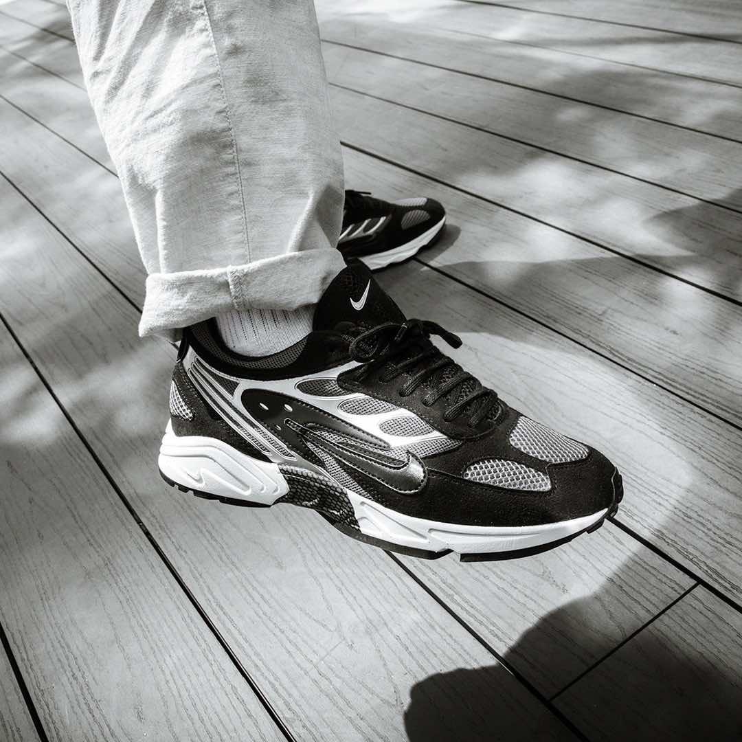 black on black #nike #sneakers | orten! | Kläder