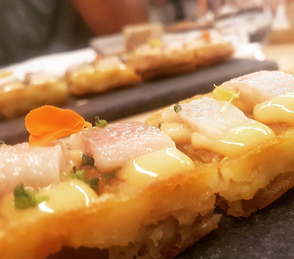 Un imprescindible, el gofre de patata, kimchie y anguila ahumada😋😋😋 . . . . . #tocadivertirse #vigosecome #dondecomer #comerenvigo #vigocity #riasbaixas #gastroigers #gastromia #gastrosensaciones #galicia #vigomola #galiciamola #restaurantes #foodies #foodplaces #foodlovers