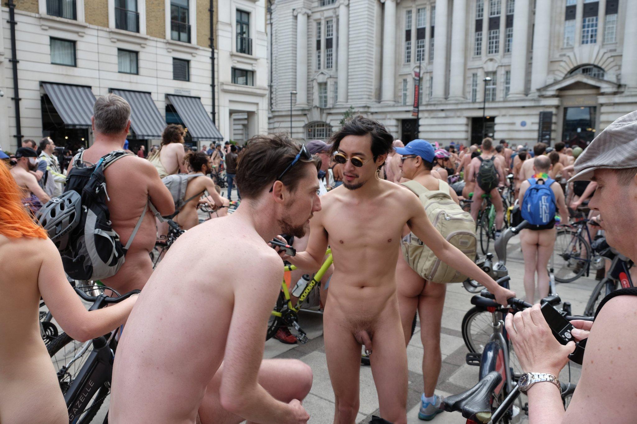 public-male-nudity-vids