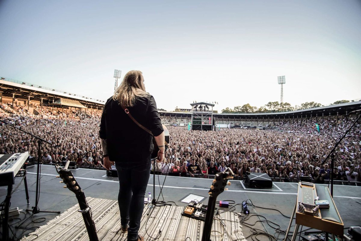 This is not where I parked my car.. 🤔 . . Stockholm Stadion 27.07.19 📸: Bob Linger