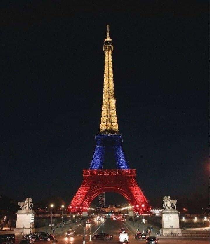 Frases Humor Colombiano On Twitter La Torre Eiffel De