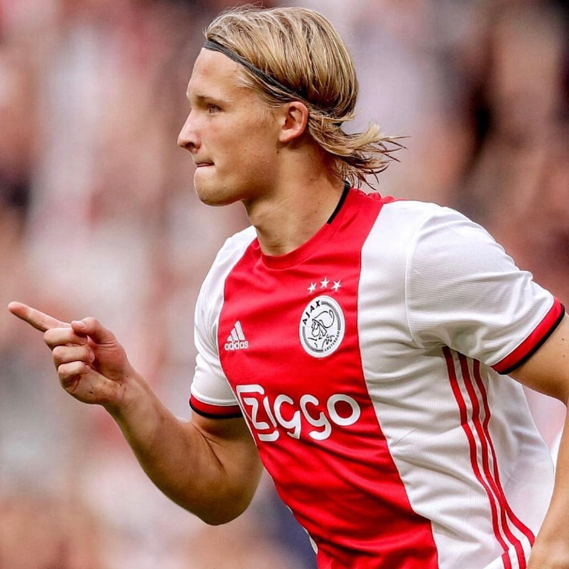 Watch Ajax wonderkid and Man United target Kasper Dolberg