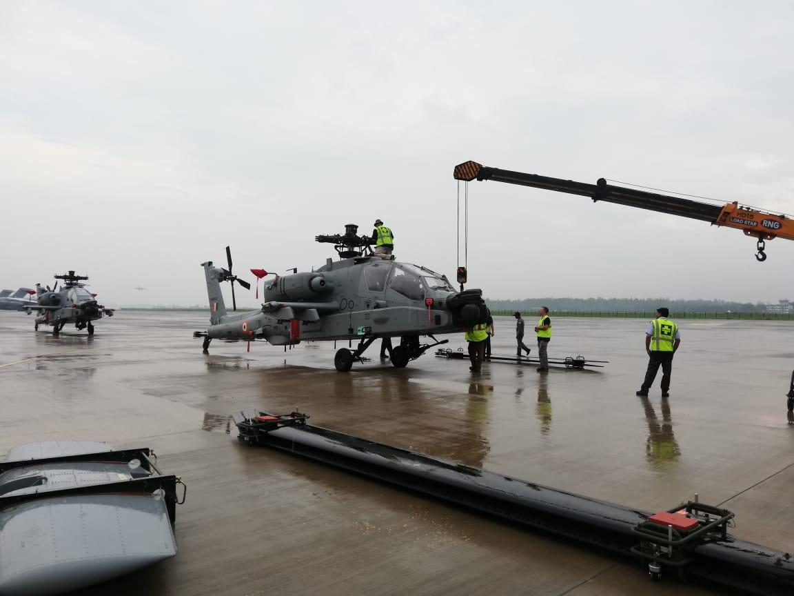 The first batch of Boeing AH-64E Apache attack helicopters, destined for the Indian Air Force (IAF), being offloaded from an Antonov An-124 heavy-lift transport aircraft at Hindon Air Force Station in India on July 27, 2019.
