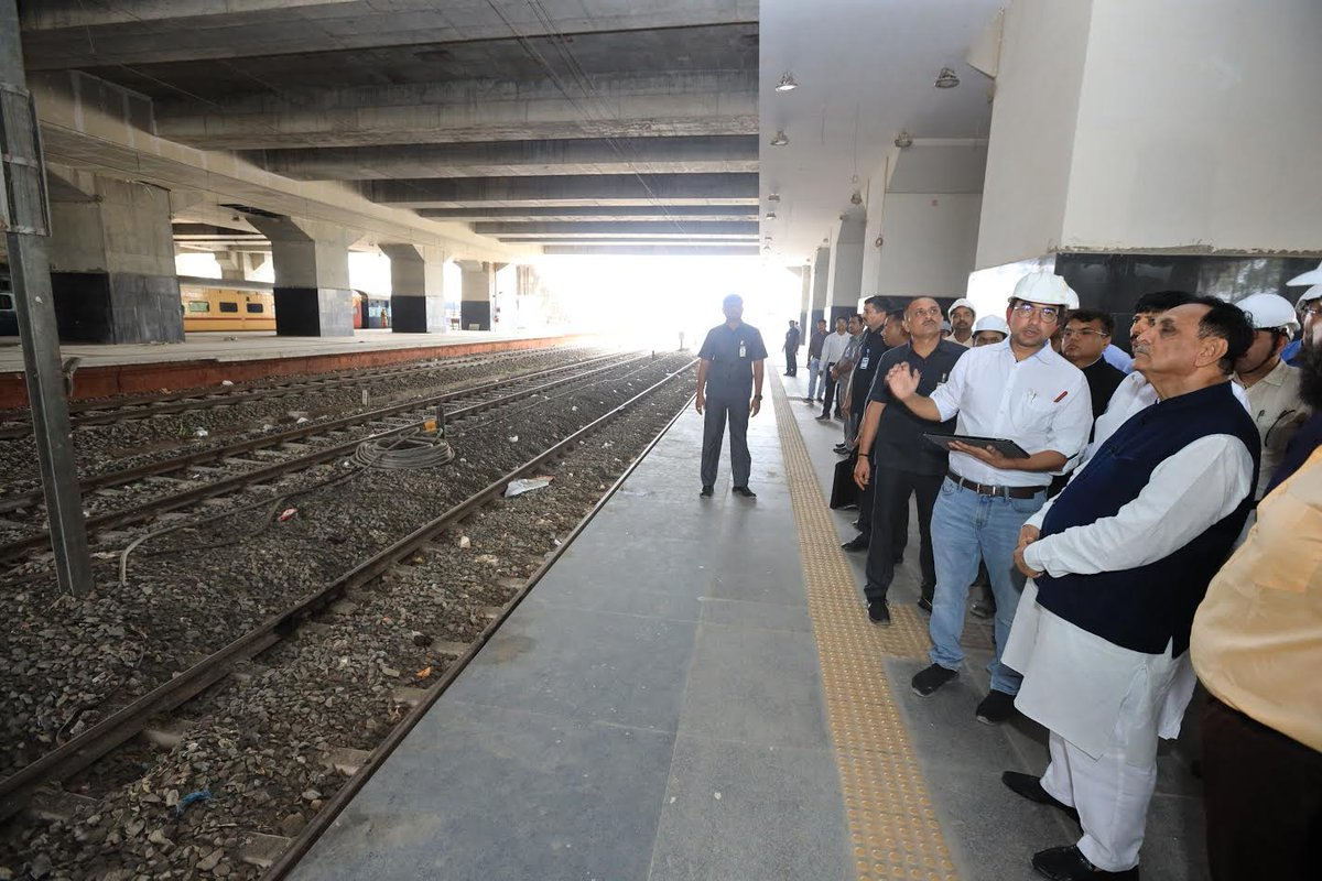 CM inspects Rs.721-cr 300-room project being built atop Gandhinagar railway platforms