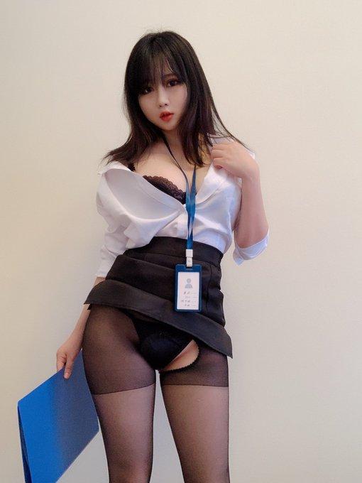 コスプレイヤー依酱のTwitter自撮りエロ画像26