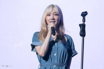 [PHOTO] 190728 Taeyeon - BEANPOLE Concert EAkwfNbU8AAX7QH?format=jpg&name=360x360