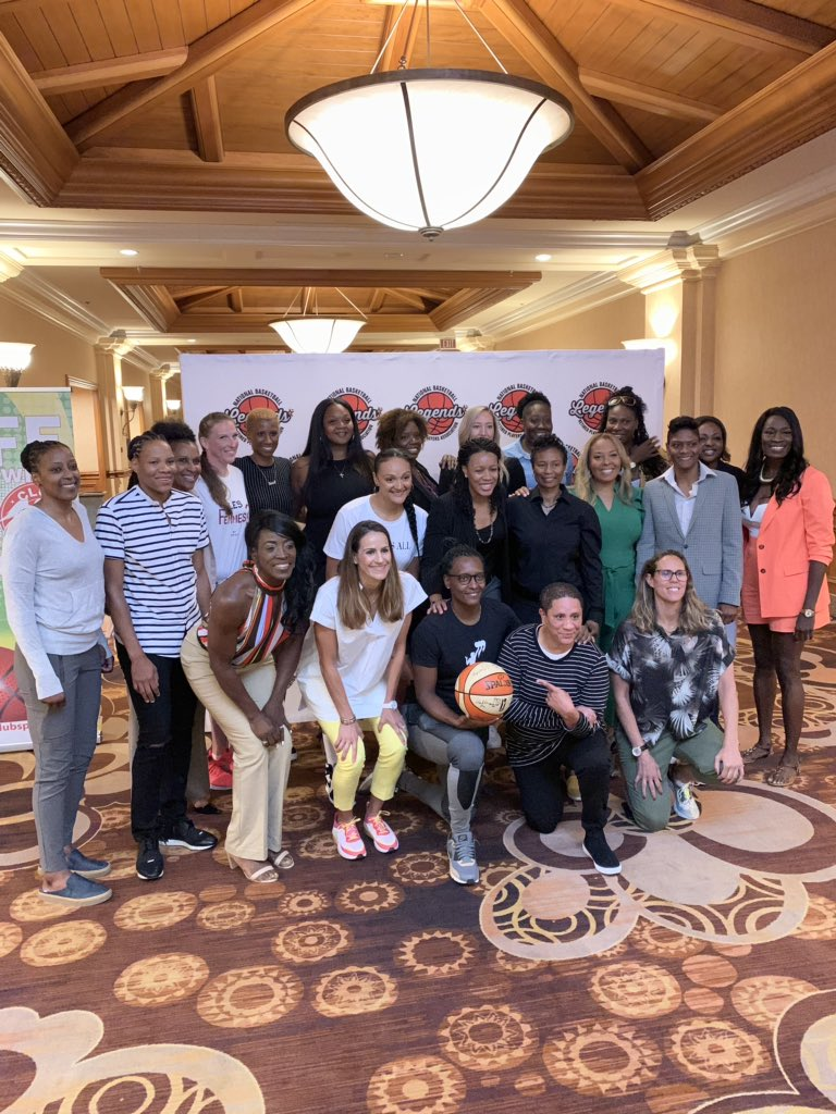 What a way to end 2019 #WNBAAllStar with the Lady Legends Brunch and Panel!  #LegendsofBasketball