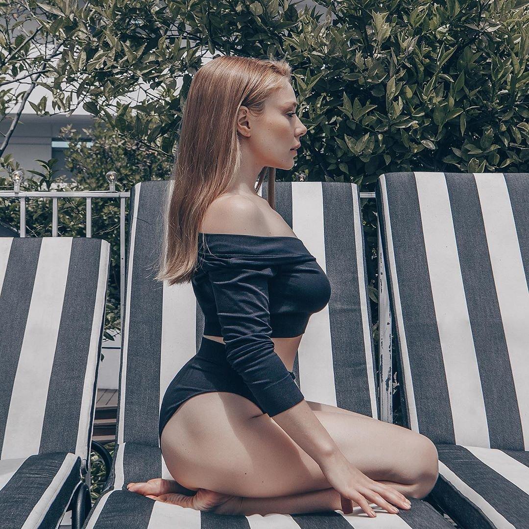 Тина Кароль на пляже Лос-Анджелеса