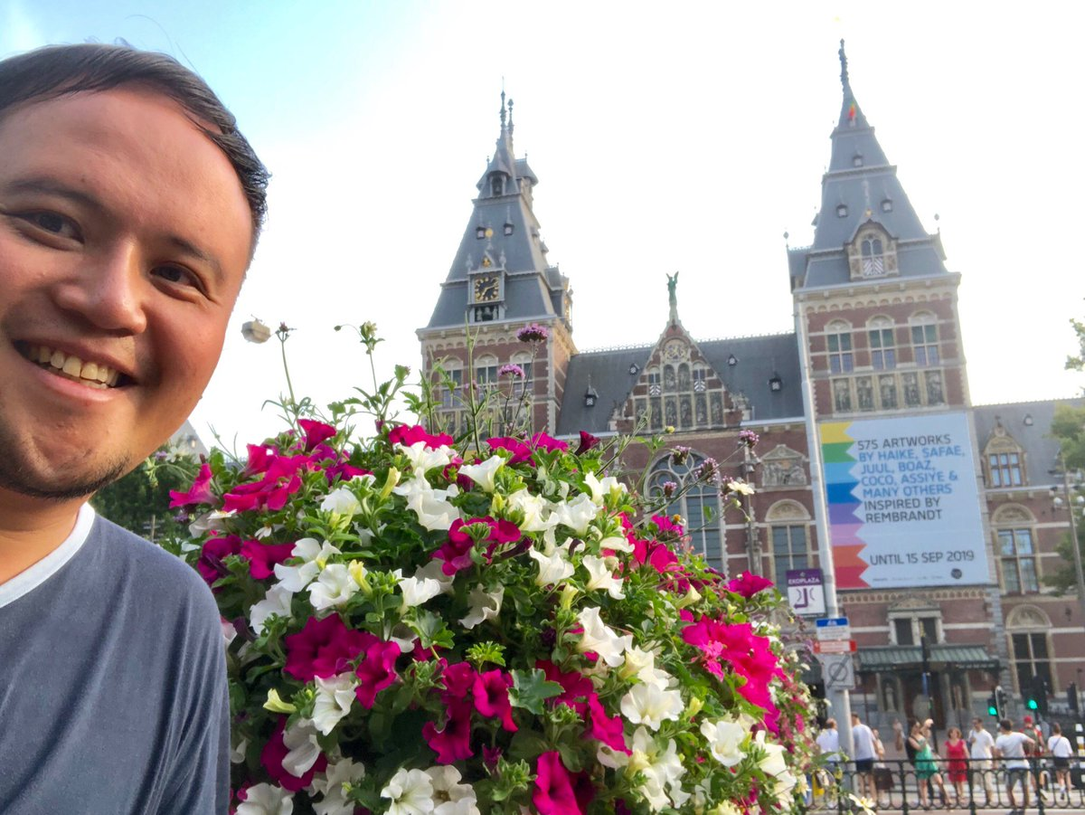 Half day isn't enough to cover 80 galleries, 8,000 objects and 800 years of #DutchArt + #DutchHistory. Coming back tomorrow. #IAmAmsterdam #Rijksmuseum #Amsterdam @Iamsterdam je bent de beste, bedankt!pic.twitter.com/nqRv6mfsBP
