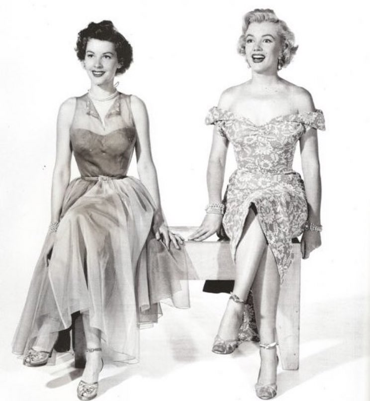 Marilyn & Barbara Bates in a publicity shot for Let's Make It Legal, 1951.  #marilynmonroe #barbarabates #icon #letsmakeitlegal #love #lookatherface #irishmmfanclub #adorable #beautiful #loveher #marilyn #stunning #smile #lovehersomuchpic.twitter.com/MUdS2FB7k8