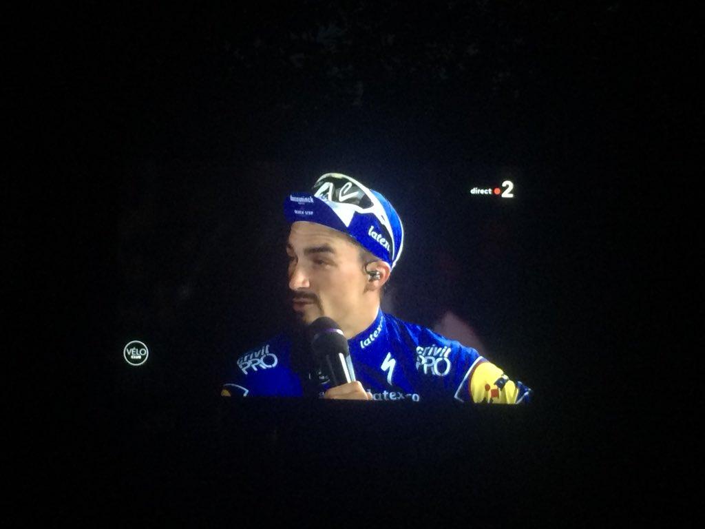 """""""Honnêtement, je préfère gagner deux étapes et porter le maillot jaune 14 jours que faire 3ème sans rien faire.""""   POPOPOOOOOOOOOH ! That's my Julian ! #TDF2019 https://t.co/GTofgv0uDz"""